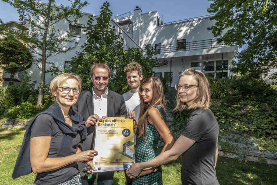 Die Denkmalschützer der Stadt präsentieren das Programm zum Tag des offenen Denkmals: Bettina Schülke (56, v.l.), Thomas Morgenstern (65), Daniel Kempton (30), Nadine Wunderlich (30) und Carina Berger (32).