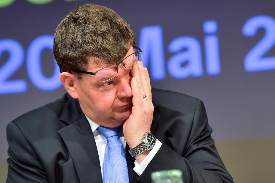 Rund um die Meisterschaft sind es stressige Tage für Bürgermeister Philipp Rochold (54, parteilos).