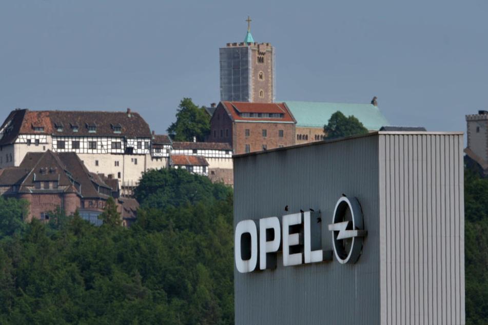 Im Eisenacher Opelwerk wird derzeit noch im Drei-Schicht-System gearbeitet.