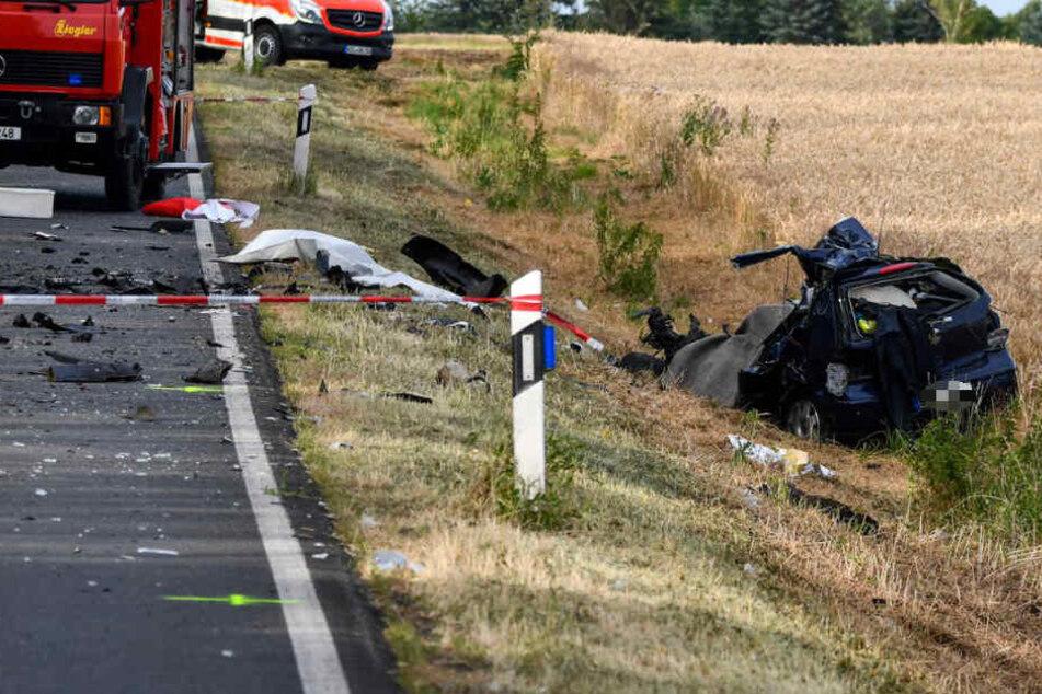 """Tödlicher Horror-Unfall: VW Polo wird von Tanklaster """"überrollt"""""""