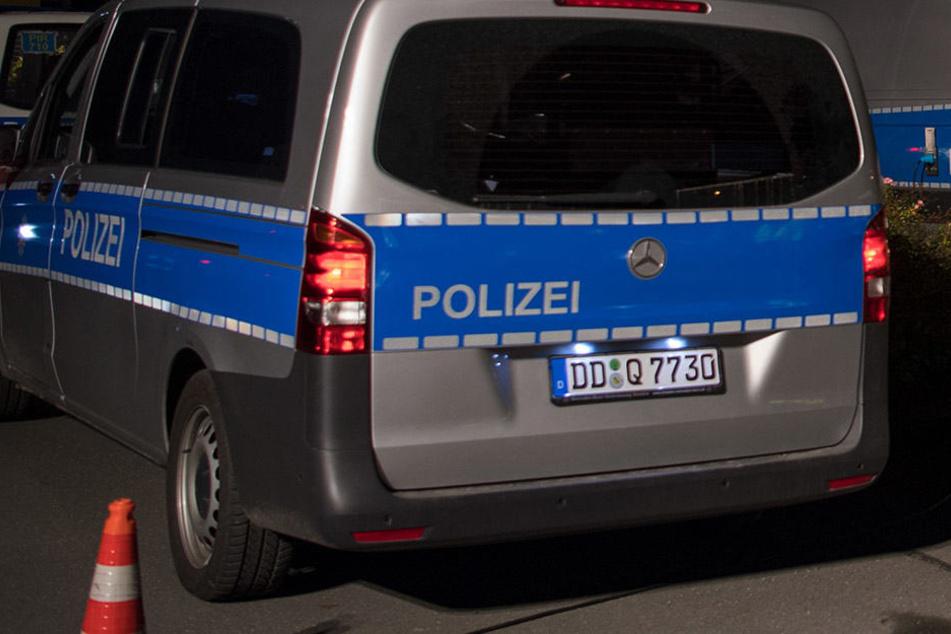 Zwei Männer schlugen auf einen Bargast in der Dresdner Neustadt ein (Symbolbild).