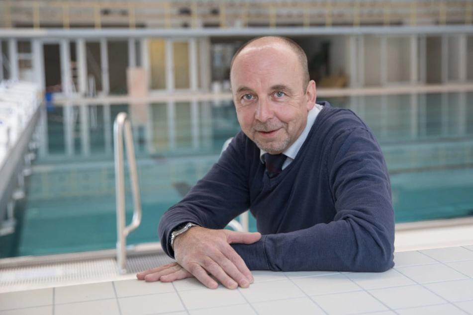 Für Matthias Waurick (54), Chef der Dresdner Bäder GmbH, ist die Sanierung und  der Schwimmhallen-Neubau das größte  Projekt seit Amtsantritt.