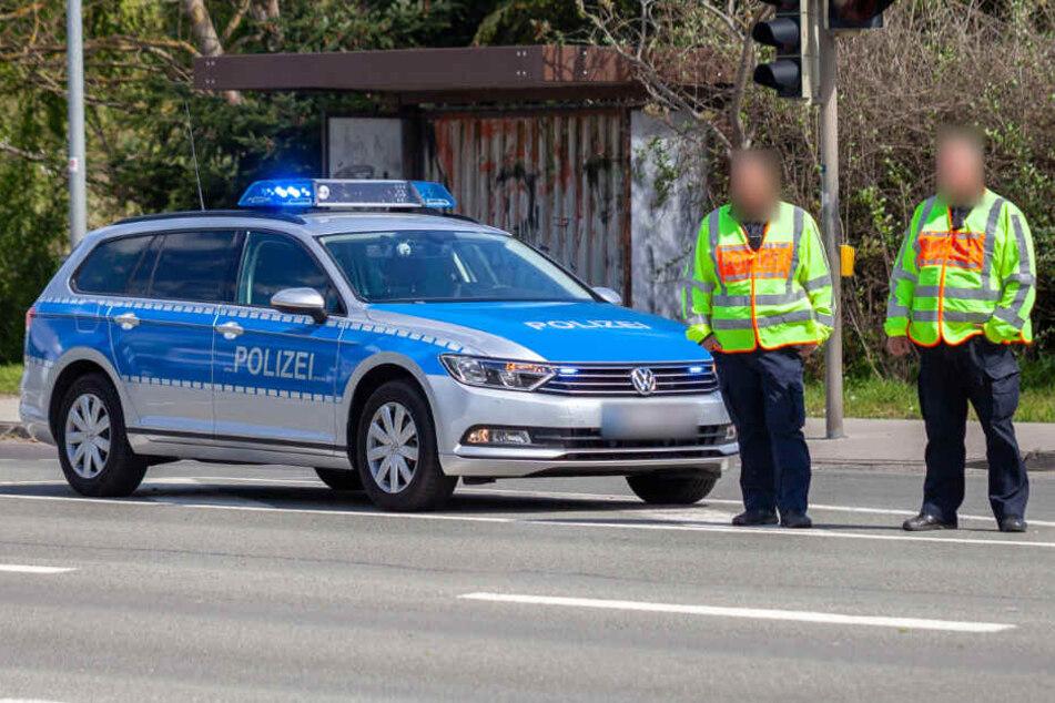 Das Auto wurde einfach auf der Autobahn stehen gelassen (Symbolfoto).