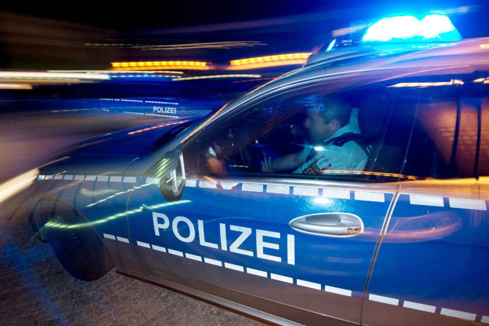 Die Polizei sucht Zeugen, die den Vorfall beobachtet haben. (Symbolfoto)