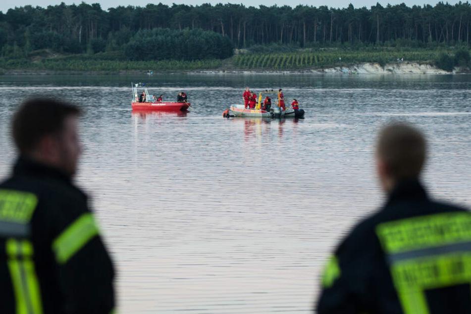 Schock am Badesee! Frau (21) treibt leblos im Wasser