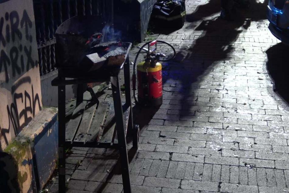 Die Obdachlosen hatten in einer Grillpfanne Feuer gemacht.