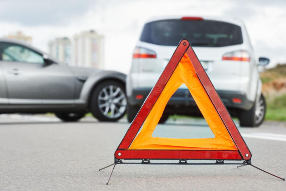 Bei dem Unfall in Aachen wurden mehrere Autos beschädigt (Symbolbild).