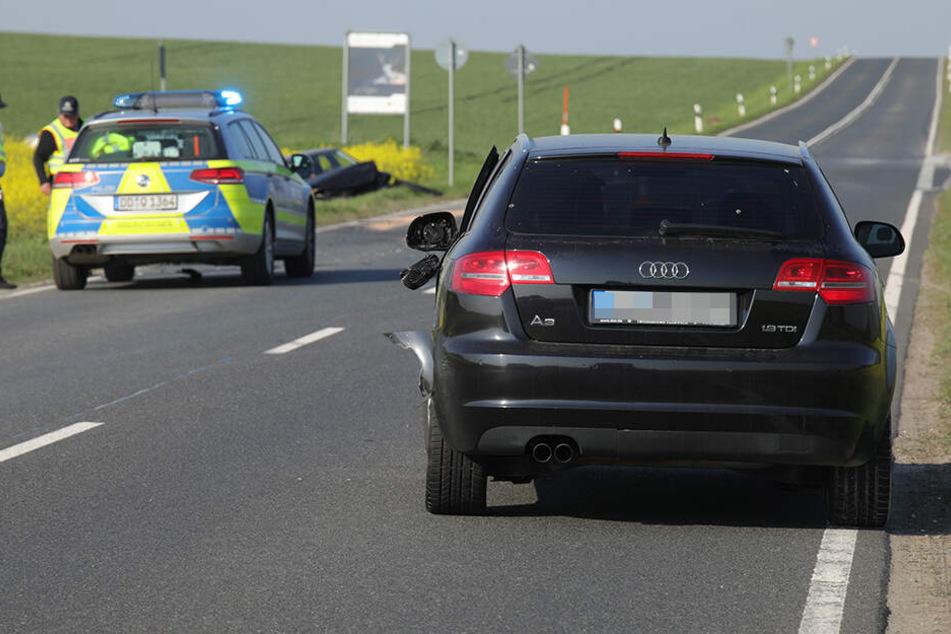In den entgegenkommenden Audi krachte der VW Polo, der schließlich auf einem Rapsfeld zum Stehen kam.