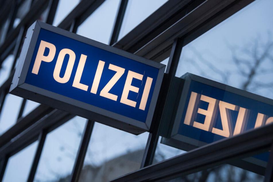 Von Amts wegen ist die Polizei verpflichtet, ein Strafverfahren gegen den Mann einzuleiten. (Symbolbild)