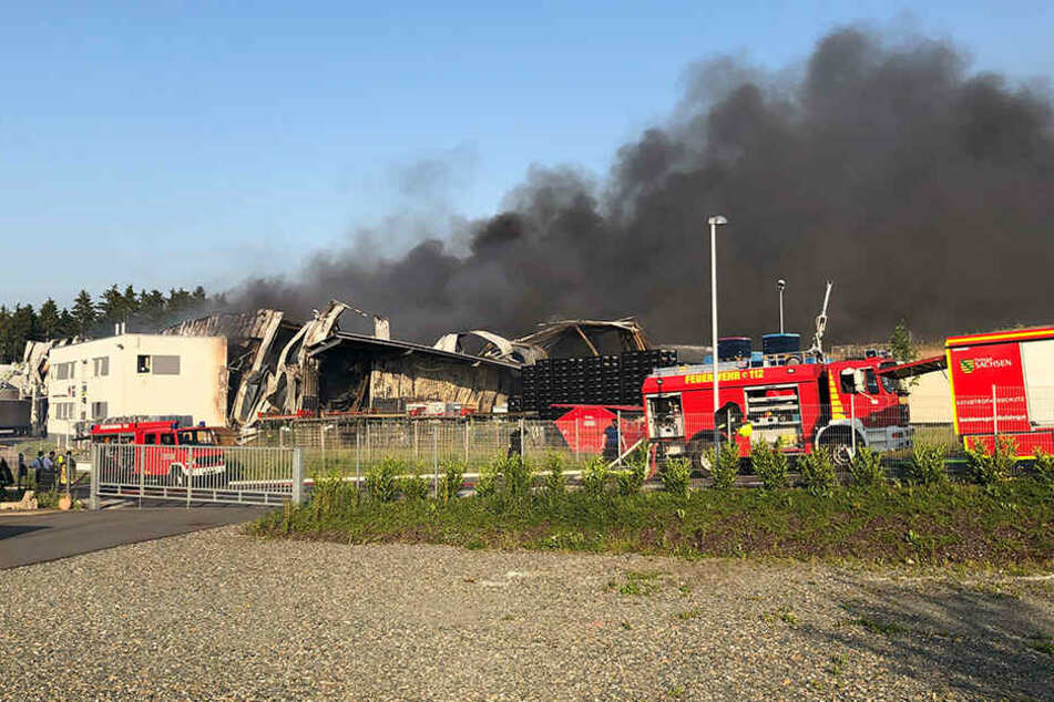 Nach Großbrand im Vogtland: Amt gibt Warnung an Bevölkerung raus