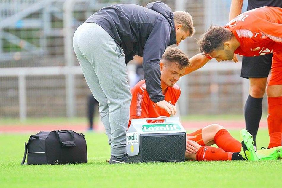 In der Partie gegen Nordhausen am 1. Juli wurde Alexander Sorge (am Boden) mit Knieprobelmen ausgewechselt, seitdem hat der Verteidiger nicht mehr gspielt.