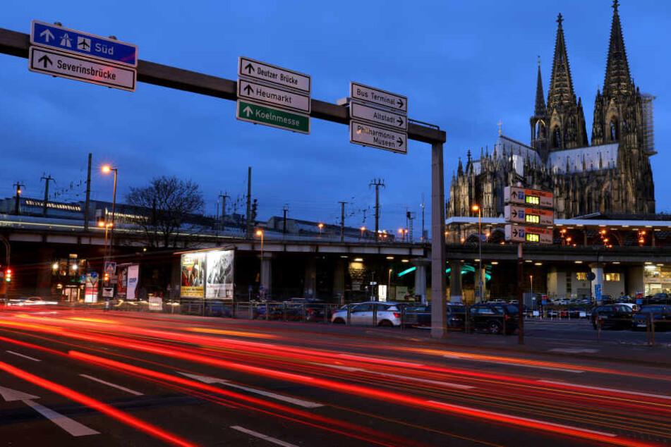 Auch der Verkehrs samt Unfällen floss in die Sicherheitsanalyse für Köln ein.