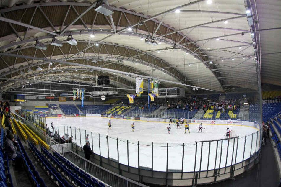 Chemnitz müsste ordentlich investieren und bauen, wie hier am Eissportkomplex,, um den olympischen  Anforderungen gerecht zu werden.