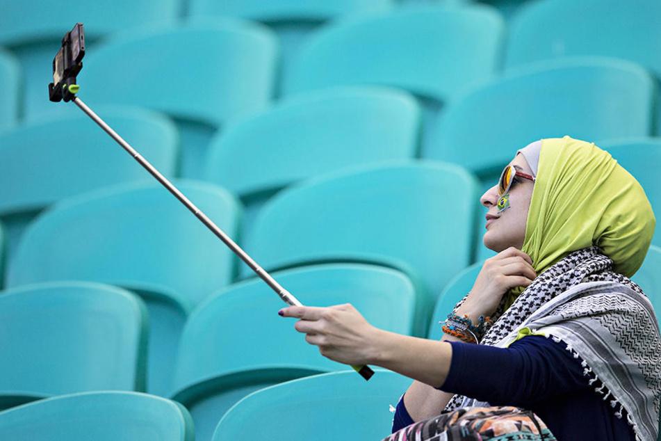 In Saudi-Arabien dürfen Frauen ab 2018 ins Stadion, aber nur in Begleitung ihrer Familie. (Symbolbild)