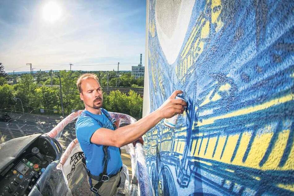 Zuletzt gestaltete der Künstler das Wandbild am neuen Marienbrücken-Hotel.