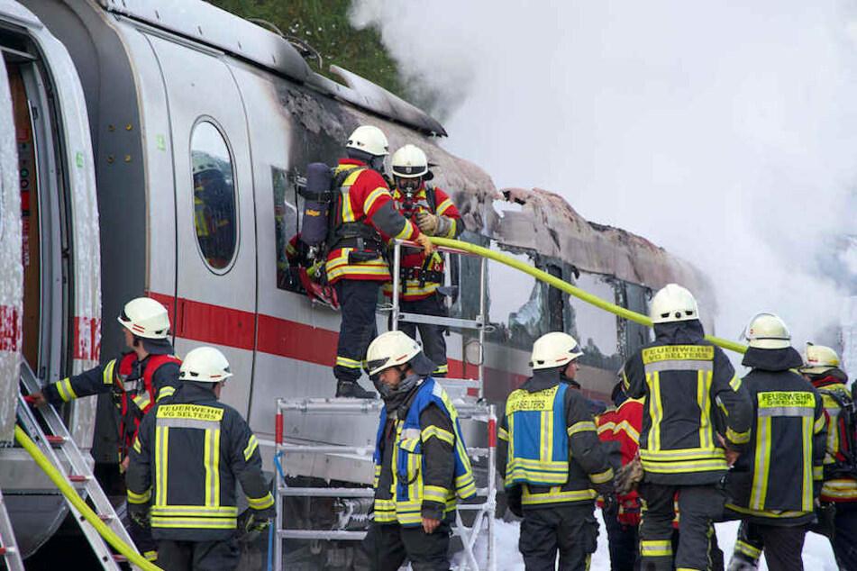 510 Passagiere mussten aus dem ICE evakuiert werden.