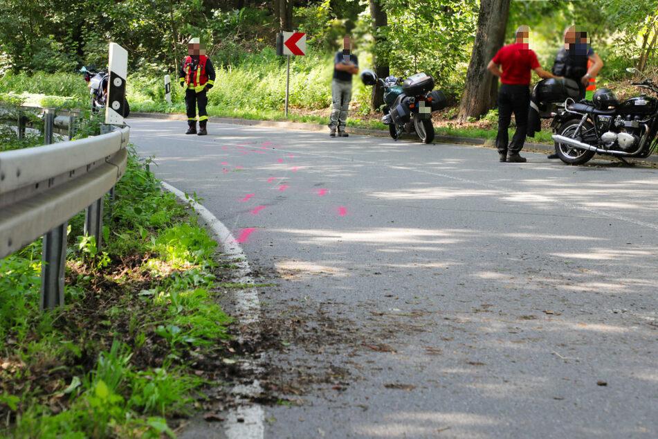 Motorrad knallt in Gegenverkehr: Biker in Klinik!