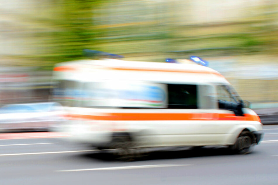 Am Donnerstagmorgen kam eine Schülerin aus Halle-Neustadt beim Sprung vom Balkon ums Leben. (Symbolbild)