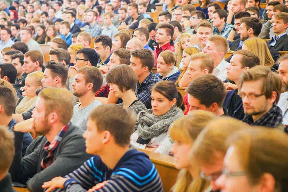 Studenten, die in Bielefeld auf Wohnungssuche sind, müssen viel Geduld mitbringen.
