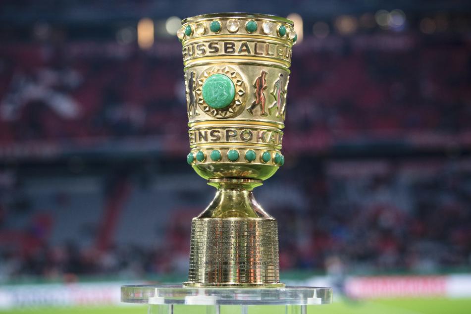 Es geht um den Pokal: Die Auslosung am Sonntag hat ergeben, dass der VfB Stuttgart gegen den 1. FC Köln antritt.