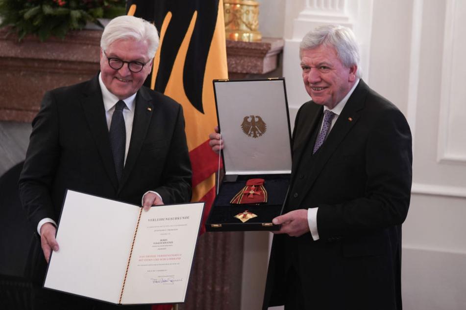 Hessens Ministerpräsident Bouffier erhält Bundesverdienstorden