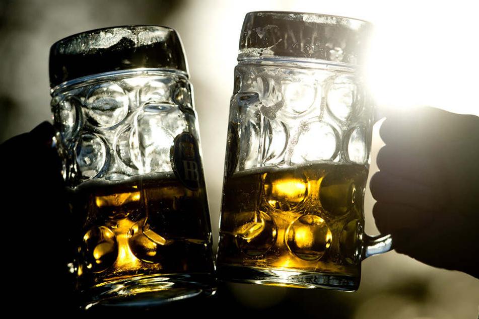 Bald eine Seltenheit? Deutsche trinken immer weniger Bier. (Symbolbild)