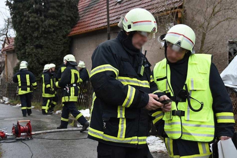 Zahlreiche Feuerwehrmänner vor Ort.