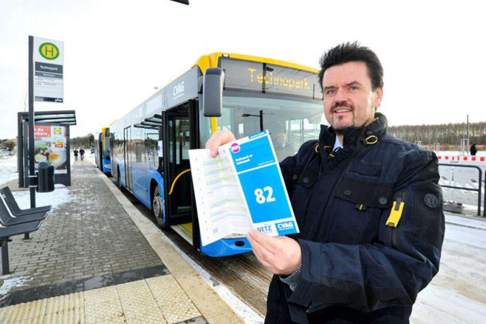 CVAG-Chef Jens Meiwald (53) weihte Anfang Dezember 2017 stolz die neue Ringbuslinie ein. Jetzt wird über Änderungen diskutiert.