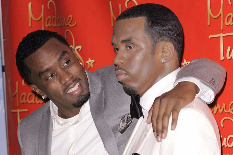 """Da war sie noch ganz: Sean """"Diddy"""" Combs mit seiner Wachsfigur im Jahr 2009."""