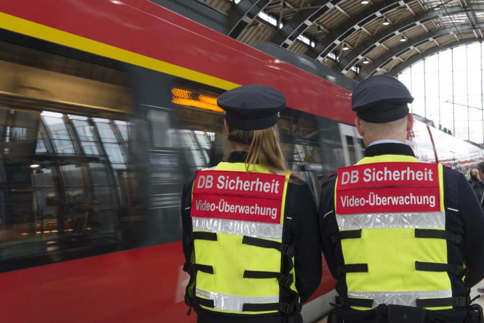 Warnstreik lässt Bahnen und Busse still stehen