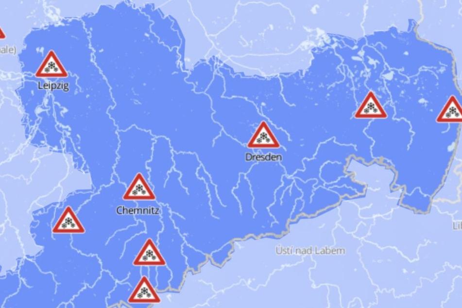 Überall in Sachsen ist am Samstag mit Glatteis aufgrund überfrierender Nässe zu rechnen.