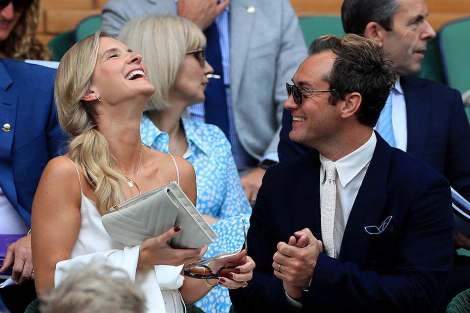 Jude Law (46) und seine Frau Phillipa Coan (32) schauten sich das Wimbledon-Halbfinale der Herren an.