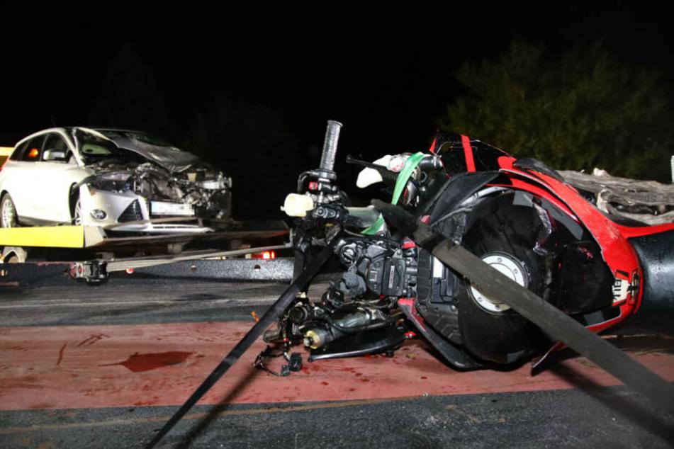Tödlicher Unfall: Autofahrer übersieht Biker