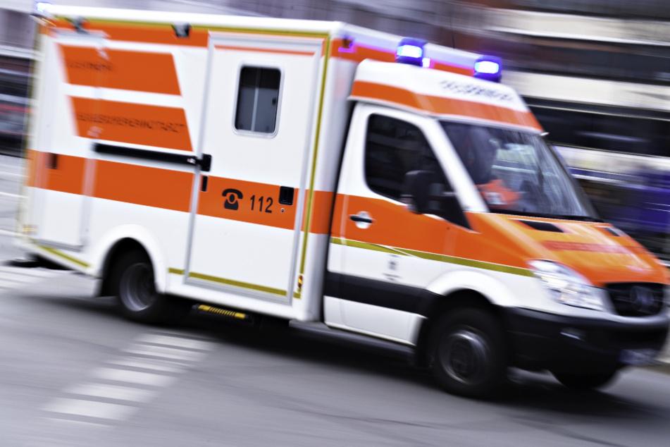 Horror-Unfall: Radfahrer von Lkw erfasst, eingeklemmt und knapp 30 Meter mitgeschleift!