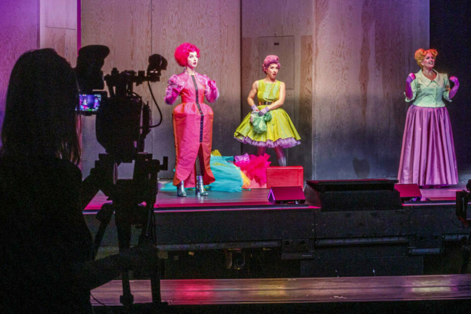 """Aufwendig wurden die Darsteller bei der Inszenierung """"Cinderella"""" gefilmt."""