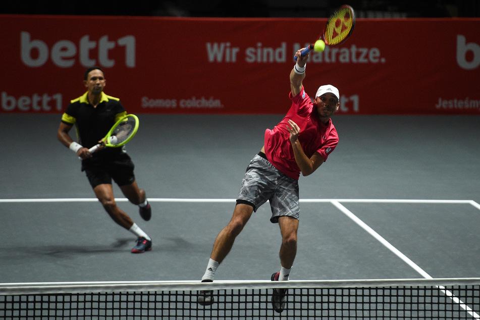 Raven Klaasen (38,l.) und Ben McLachlan (28) wären die möglichen Gegner der zweimaligen French-Open-Sieger Andreas Mies und Kevin Krawietz im Doppel-Finale des Tennisturniers in Köln.