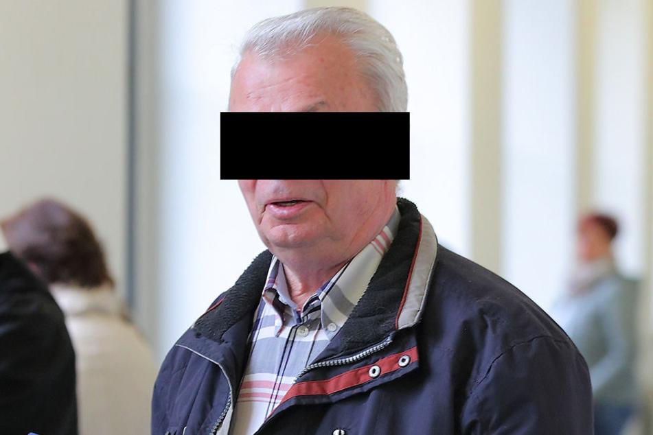 Seine Motive bleiben im Dunkeln: Dieter N. (76) weiß, was er gemacht hat,  aber nicht, warum.