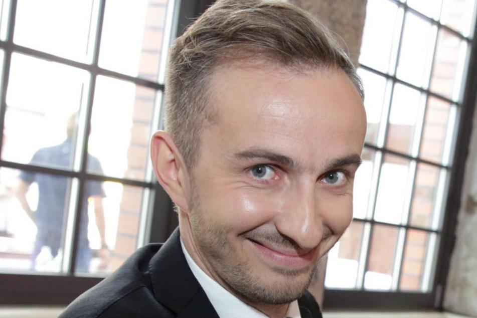 In einer Youtube-Pressekonferenz äußerte sich Böhmermann am Mittwoch zu den eingestellten Ermittlungen der Staatsanwaltschaft Mainz.