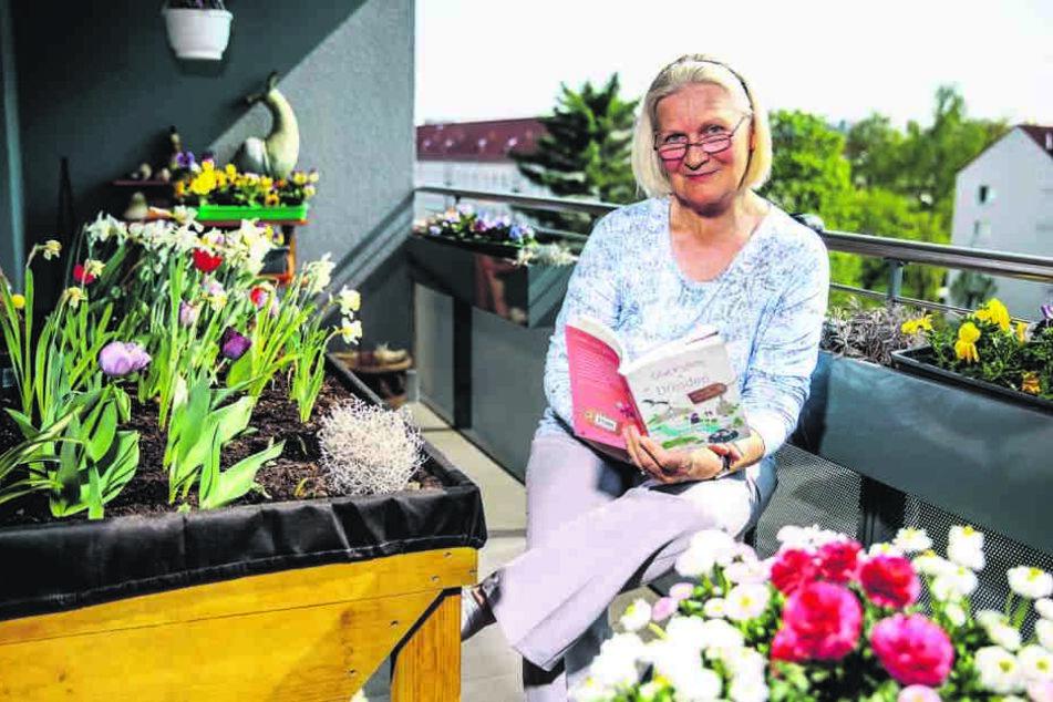 """Christine Fischer gründete 2001 den Dresdner Tourenservice. Sie schrieb den Reiseführer """"Glücksorte in Dresden"""" für den Düsseldorfer Droste Verlag."""