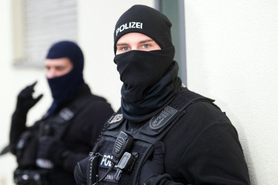 Die Polizei nahmen eine 31-jährige Frau und einen 35 Jahre alten Mann fest. (Symbolbild)
