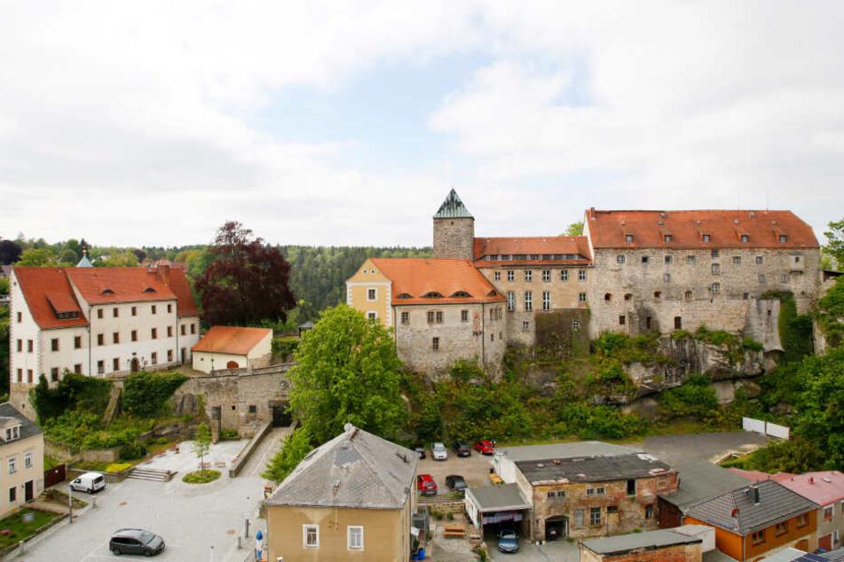 """Die Burg Hohnstein ist """"auf dem Weg""""."""