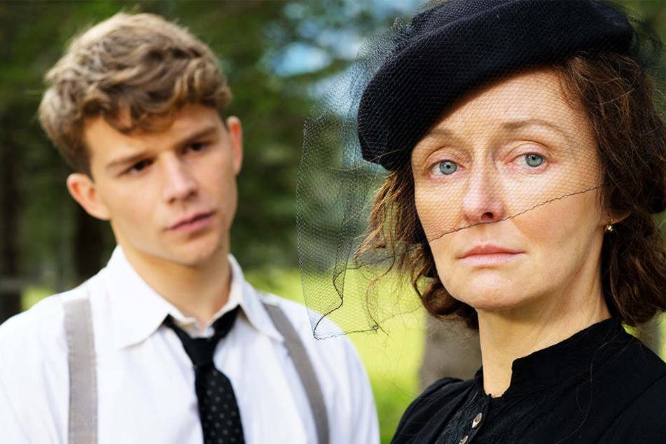 Franz (Simon Morzé, l.) wird von seiner Mutter Margarete (Regina Fritsch, r.) zum Arbeiten nach Wien geschickt.