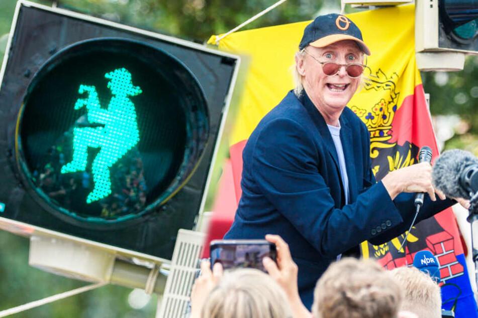 Hier regelt jetzt Otto Waalkes den Verkehr!