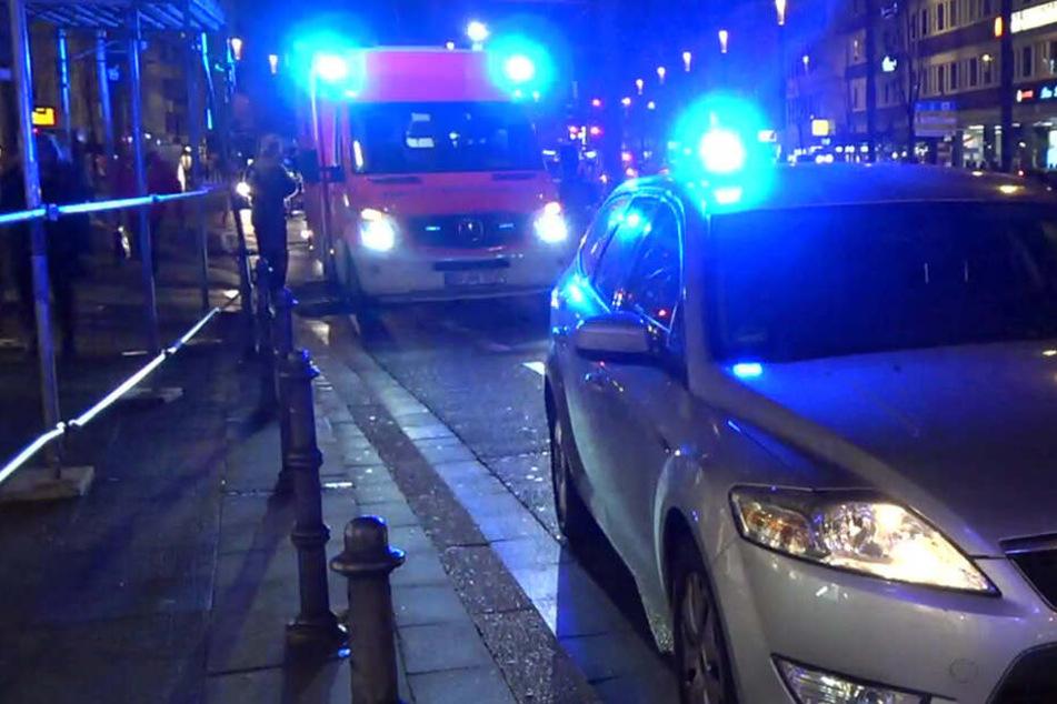 Rettungskräfte am Einsatzort. (Symbolbild)