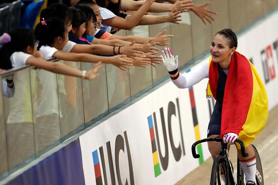 Kristina Vogel jubelt nach ihrem Sieg in Hongkong bei der WM 2017.