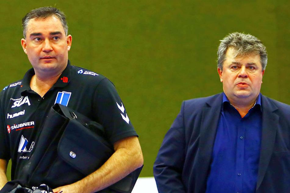 Aue-Coach Stephan Swat (li.) und Manager Rüdiger Jurke hoffen ausgerechnet im Derby auf den Befreiungsschlag.