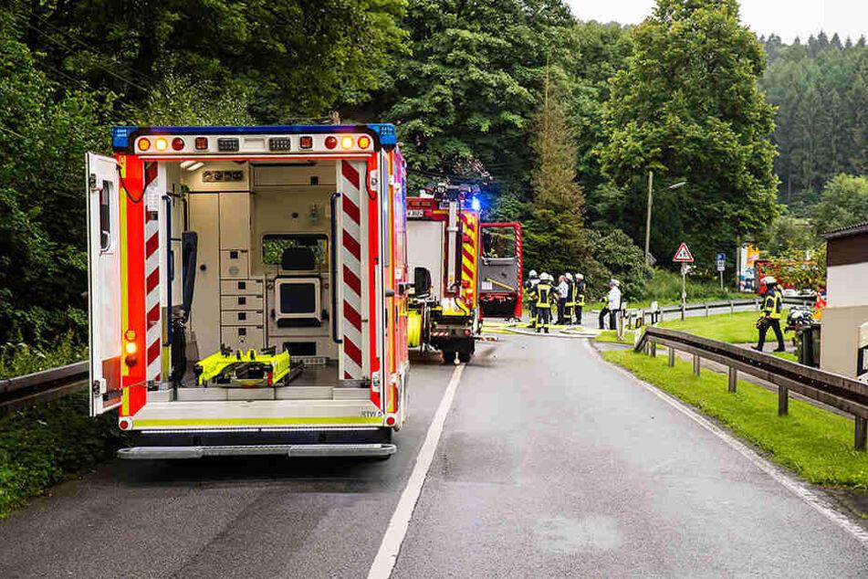 Mit allem, was ging, war die Feuerwehr vor Ort. Am Ende entpuppte sich das Feuer eher als harmlos.