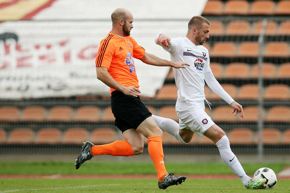 Martin Toshev (am Ball) geht künftig für den Drittligisten Aalen auf Torejagd.