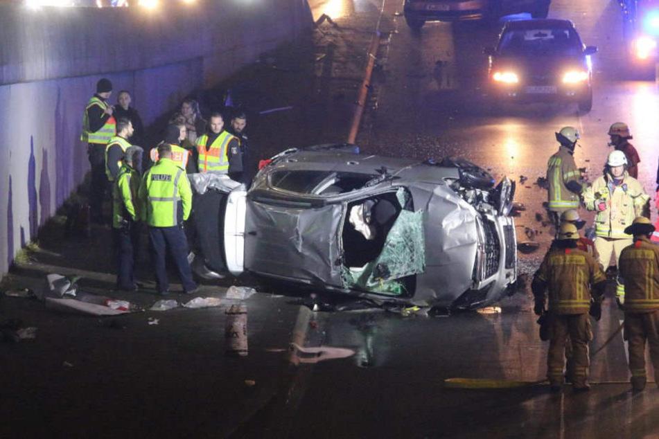 Zwei Insassen wurden bei dem Unfall schwer verletzt.
