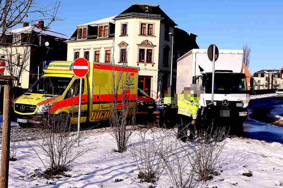 Bei einem Verkehrsunfall in Radebeul wurde eine Person verletzt.